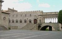 Palazzo_dei_Papi_Viterbo.jpg