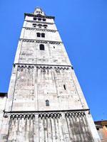 ghirlandina_Modena.jpg